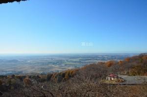 あずまやからの筑波山梅林の眺め